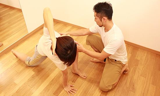 怪我の根本治療 / パフォーマンスアップ 体幹トレーニングや、ファンクショナルトレーニングを行います。